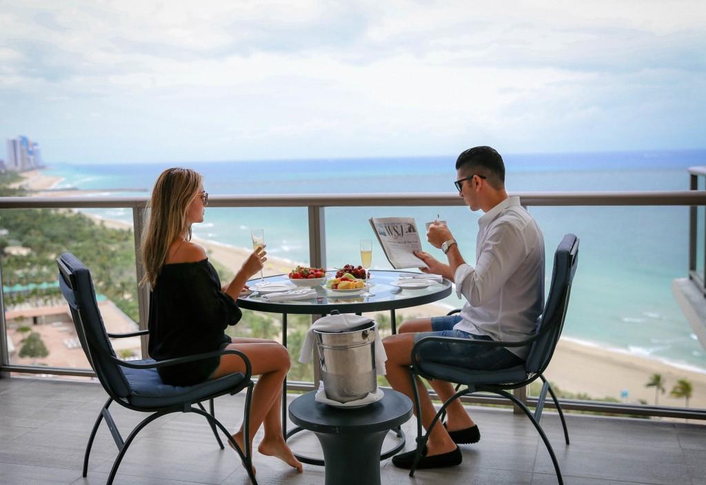 stregis-bal-harbour-ocean-view-room-view-beach-view-atlantic-ocean-front-suite-best-hotel-miami-spg-hotel-luxury