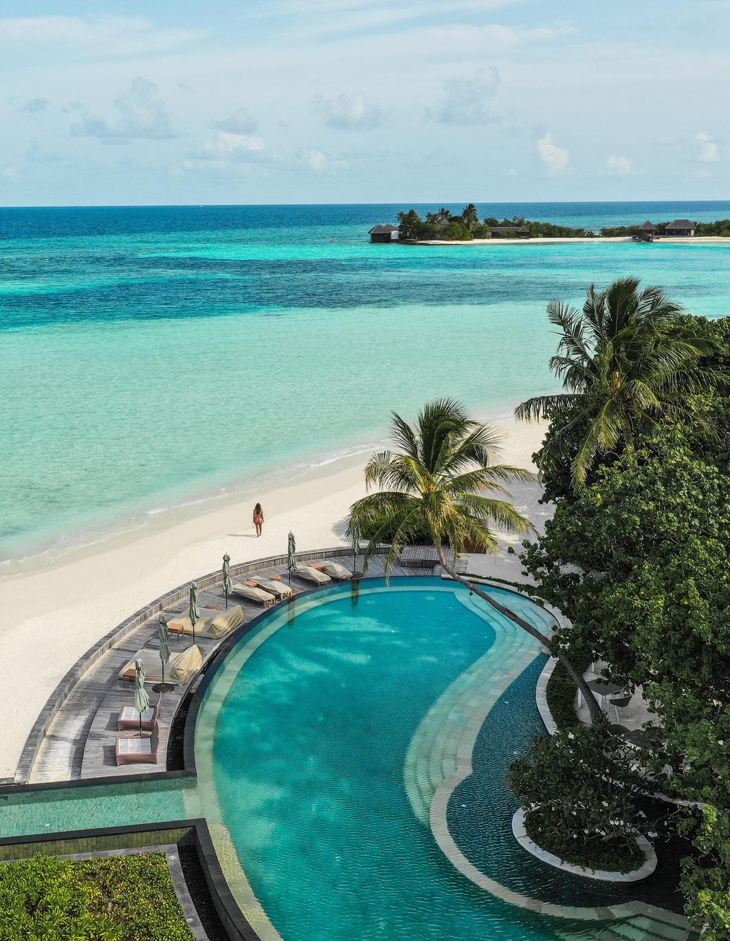 Four Seasons Kuda Huraa – A Maldivian Classic Island Getaway